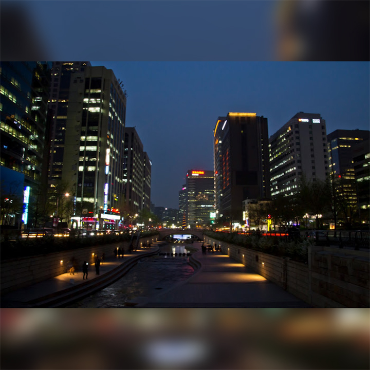 cheonggyecheon-on-night